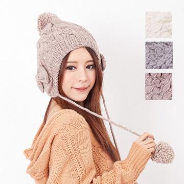 【One Mall】MIT台灣製 發熱雙層內裡 鑽蝶毛球護耳針織帽 (三色可選)