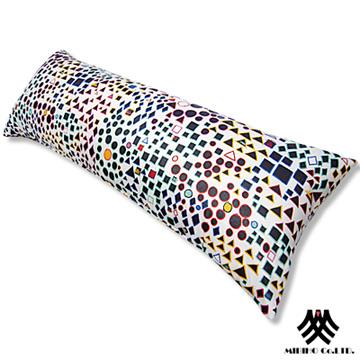 《M.B.H─奇趣繽紛》長型抱枕