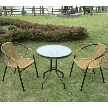 Brother兄弟牌《PE藤椅+60cm庭院桌》(黑管一桌二椅組)