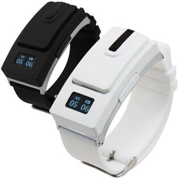 IS愛思 錶戴式藍牙耳機 來電震動提示 雙電池待命