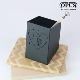 【OPUS東齊金工】歐式鐵藝星空筆筒-Cest La Vie(經典黑) 桌上整理 辦公文具 小物收納 收架筒 PE-ce22B