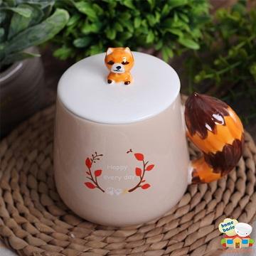 【新食器】NIWAWA手繪美尾馬克杯(含蓋)浣熊-375ML